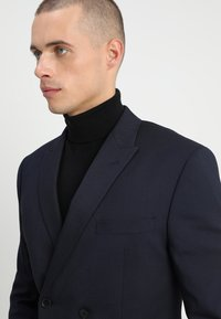 Isaac Dewhirst - DOUBLE BREASTED PLAIN SLIM FIT SUIT - Garnitur - navy - 6