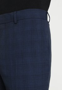 Isaac Dewhirst - FASHION CHECK SUIT - Completo - navy - 8