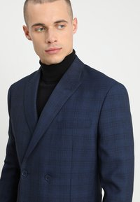 Isaac Dewhirst - FASHION CHECK SUIT - Completo - navy - 6