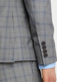Isaac Dewhirst - FASHION CHECK SUIT SLIM FIT - Suit - grey - 7