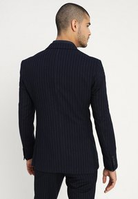 Isaac Dewhirst - FASHION STRIPE SUIT - Suit - navy - 3