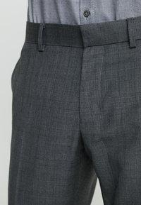 Isaac Dewhirst - SUIT CHECK - Kostuum - dark grey - 8