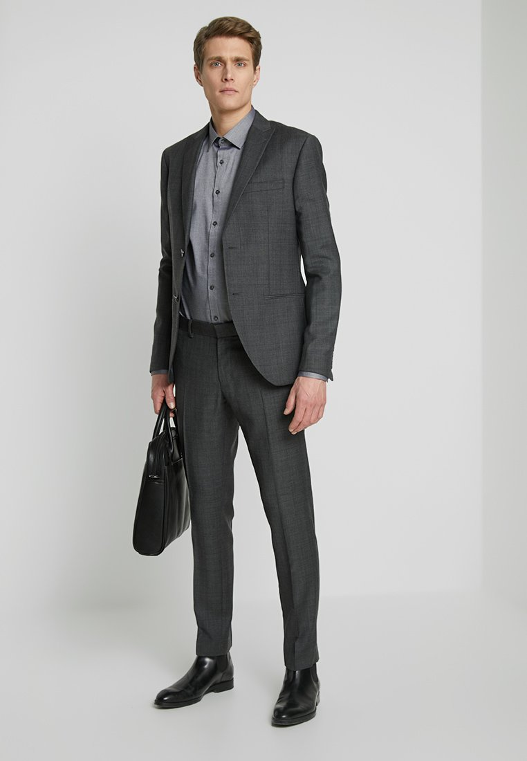 Isaac Dewhirst - SUIT CHECK - Suit - dark grey