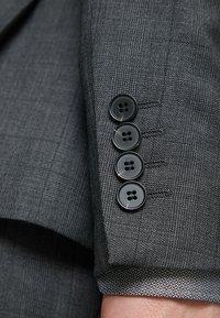 Isaac Dewhirst - SUIT CHECK - Kostuum - dark grey - 12