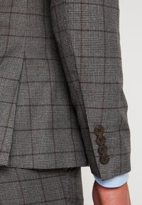 Isaac Dewhirst - FASHION SUIT CHECK - Suit - grey - 6