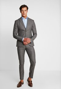 Isaac Dewhirst - FASHION SUIT CHECK - Suit - grey - 1