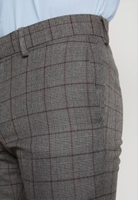 Isaac Dewhirst - FASHION SUIT CHECK - Suit - grey - 9