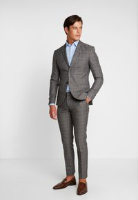 Isaac Dewhirst - FASHION SUIT CHECK - Suit - grey - 0