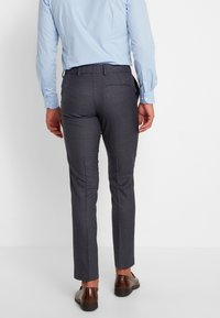 Isaac Dewhirst - FASHION SUIT CHECK - Oblek - blue - 5