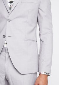 Isaac Dewhirst - FASHION SUIT - Suit - light grey - 7