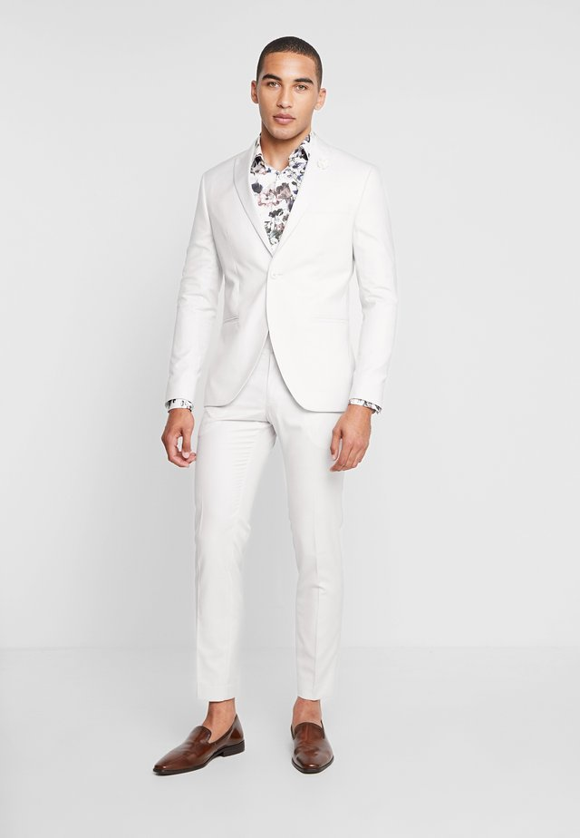 WEDDING SUIT PALE - Garnitur - stone
