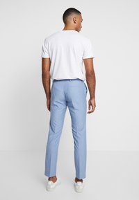 Isaac Dewhirst - WEDDING SUIT - Completo - light blue - 5
