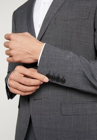 Isaac Dewhirst - PUPPYTOOTH SUIT - Garnitur - dark grey - 11