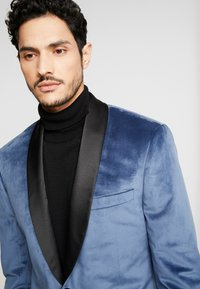 Isaac Dewhirst - TUX JACKET - Veste de costume - dusty blue - 6