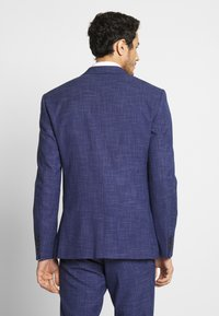 Isaac Dewhirst - TEXTURE SUIT - Oblek - blue - 4