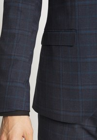 Isaac Dewhirst - CHECK SUIT - Completo - dark blue - 7