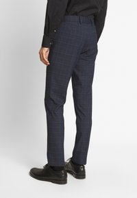 Isaac Dewhirst - CHECK SUIT - Completo - dark blue - 5