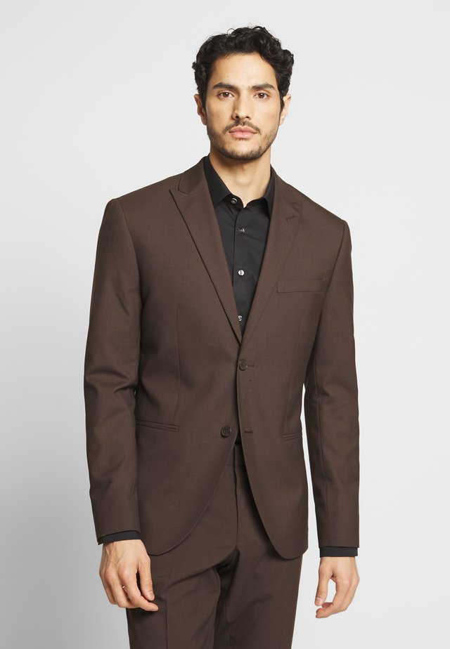 PLAIN SUIT - Puku - brown