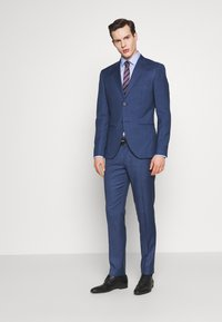 Isaac Dewhirst - BLUE TEXTURE SUIT - Completo - blue - 1