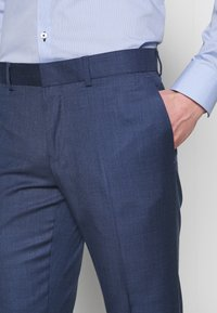 Isaac Dewhirst - BLUE TEXTURE SUIT - Completo - blue - 6