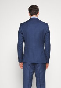 Isaac Dewhirst - BLUE TEXTURE SUIT - Completo - blue - 3