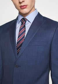 Isaac Dewhirst - BLUE TEXTURE SUIT - Completo - blue - 10