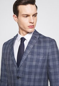 Isaac Dewhirst - CHECKED - Blazer - blue - 3