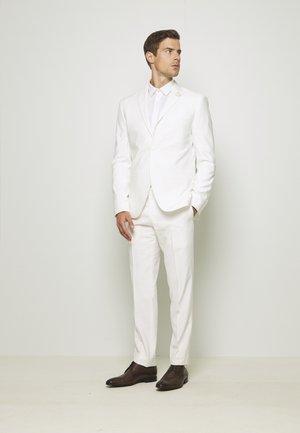 WHITE WEDDING SLIM FIT SUIT - Suit - white