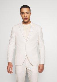 Isaac Dewhirst - PLAIN WEDDING - Suit - neutral - 2