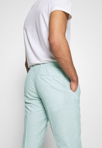 Isaac Dewhirst - PLAIN WEDDING - Suit - mint - 10