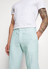 Isaac Dewhirst - PLAIN WEDDING - Suit - mint - 9