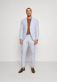 Isaac Dewhirst - PLAIN WEDDING - Garnitur - blue - 0