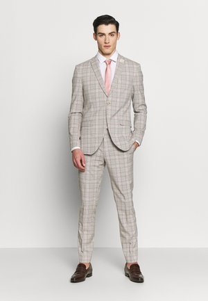 PINK CHECK SUIT WEDDING - Completo - grey