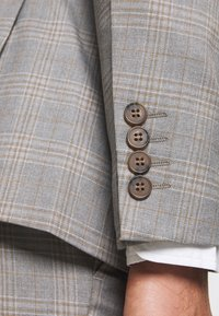 Isaac Dewhirst - CHECK 3 PIECES SUIT - Oblek - grey - 10