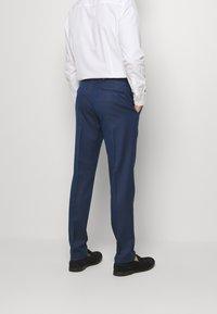 Isaac Dewhirst - Suit - dark blue - 5