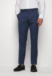 Isaac Dewhirst - Suit - dark blue - 4