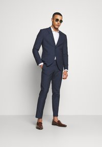 Isaac Dewhirst - RECYCLED NAVY TEXTURE - Suit - dark blue - 1