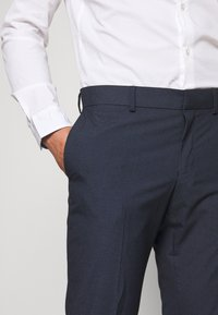 Isaac Dewhirst - RECYCLED NAVY TEXTURE - Suit - dark blue - 8
