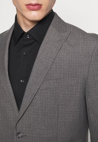 Isaac Dewhirst - RECYCLED MID TEXTURE - Traje - grey - 9
