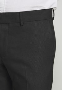 Isaac Dewhirst - RECYCLED TUX SLIM FIT - Completo - black - 9