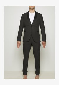 Isaac Dewhirst - RECYCLED TUX SLIM FIT - Completo - black - 10