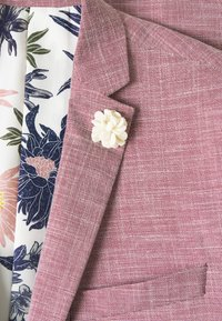 Isaac Dewhirst - WEDDING COLLECTION - SLIM FIT SUIT - Costume - pink - 7