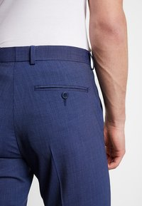 Isaac Dewhirst - TROUSER - Trousers - blue - 5