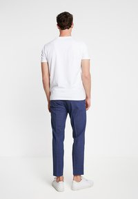 Isaac Dewhirst - TROUSER - Trousers - blue - 2