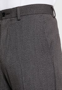 Isaac Dewhirst - TROUSER SALT PEPPER - Dressbukse - dark grey - 3