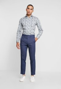 Isaac Dewhirst - STAND ALONE BIRDSEYE - Suit trousers - blue - 1