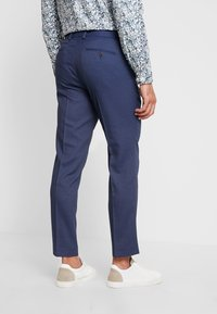 Isaac Dewhirst - STAND ALONE BIRDSEYE - Suit trousers - blue - 2