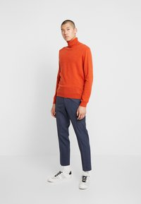 Isaac Dewhirst - SEMI PLAIN TROUSER - Trousers - navy - 1