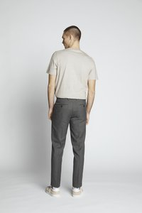 Isaac Dewhirst - FLANNEL PLAIN TROUSER - Trousers - grey - 2