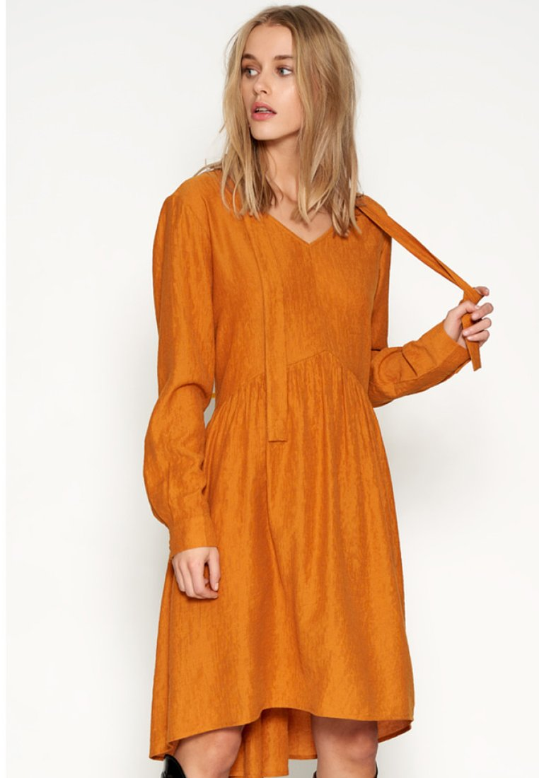 Denim Hunter - DHSELMA - Day dress - dark yellow